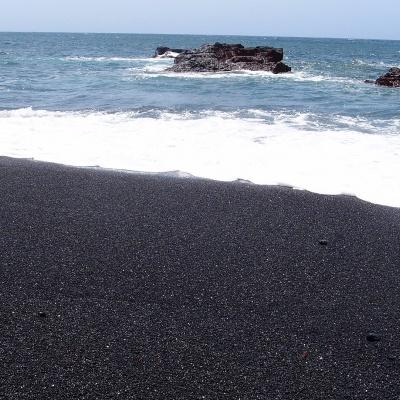 El Golfo - Charco de los Clicos - the beautiful black sand