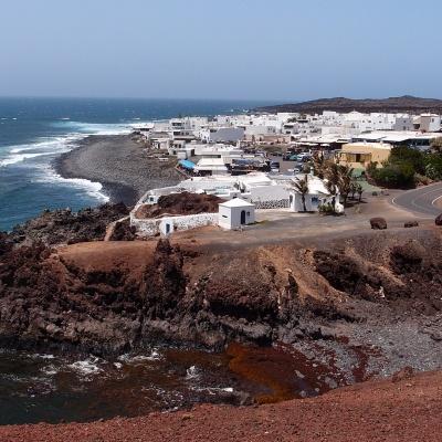 El Golfo - village view from the path to Charco de los Clicos